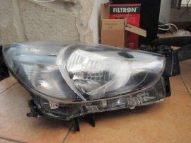 Mazda 2 jobb  fényszóró (halogen)