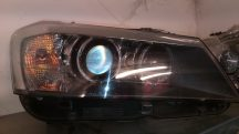 BMW E-83 Fényszóró Xenon.Jobb